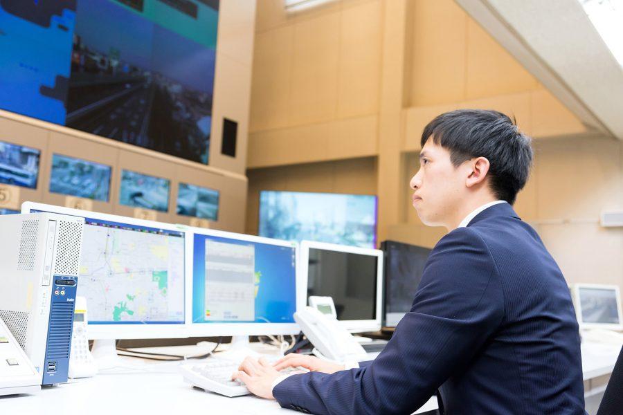 岡山県警察指令室
