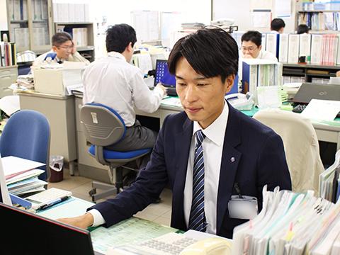 和歌山市役所産業政策課職員