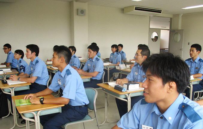 鳥取県警察SPI試験で警察官にチャレンジ!35歳まで受験可能