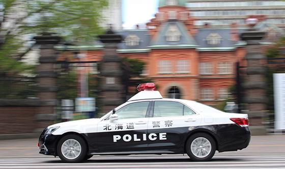 北海道警察のパトカーの写真