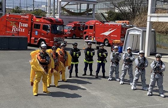 消防車と消防職員